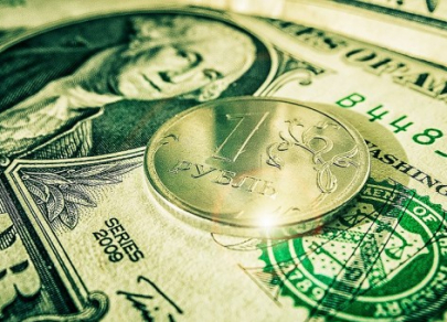 Рубль умеренно снижается во вторник
