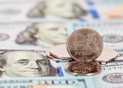 Эксперты фиксируют перепроданность рубля на фоне стабильности доллара США