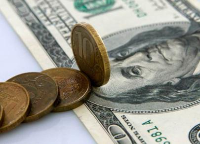 Покупка валюты Минфином РФ не испугала рубль
