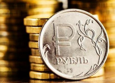 Рубль растет, но может упасть под страхом санкций