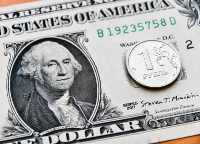 «Ослабевшие» санкции укрепили рубль