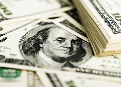Подозрительно дорогой рубль: Пора покупать доллары?