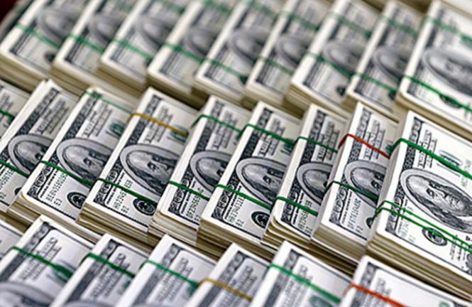 InstaForex Analytics: Los expertos esperan un ligero incremento y una declive mayor en el dólar estadounidense en 2019