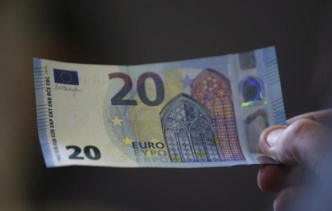 InstaForex Analytics: El euro se debilita mientras los inversionistas eligen refugios seguros. ¿Cuando termina la tormenta?