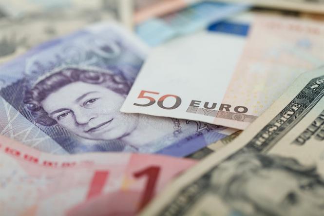 InstaForex Analytics: Насколько сильно еще могут подешеветь евро и фунт?
