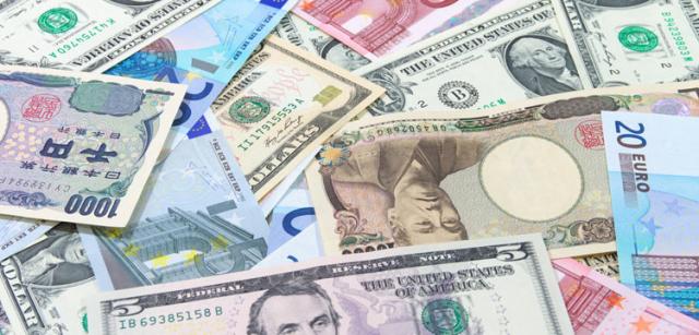 Доллар достиг месячного максимума и готовится взять новую высоту