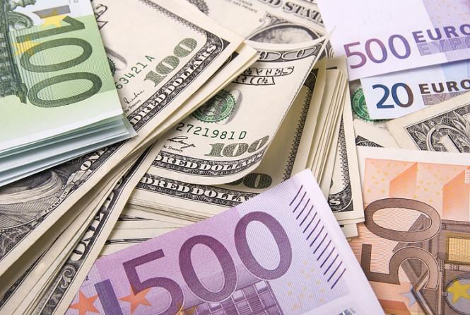 InstaForex Analytics: Les actifs risqués sont menacés, la livre sterling est soumise à la pression de la Banque d'Angleterre, l'euro attend Lagarde