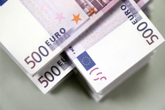 InstaForex Analytics: El euro se debilita y el dólar mantiene su posición a pesar de los comentarios de la Fed