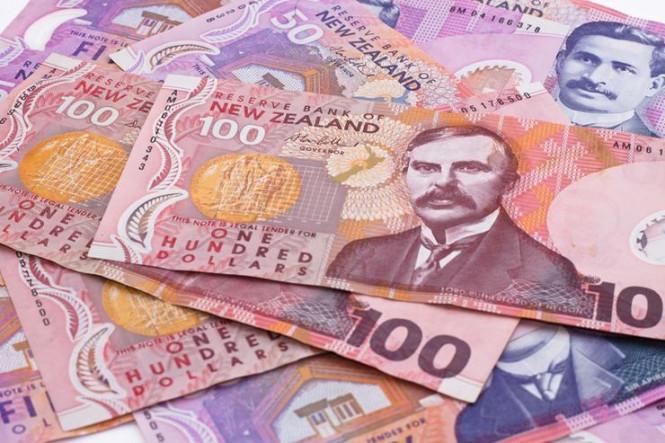 InstaForex Analytics: En équilibre au-dessus d'un précipice: le dollar néo-zélandais est sur le point de chuter