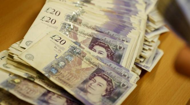InstaForex Analytics: Rôles dramatiques de la livre sterling: candidat à la baisse et source de tension pour le marché