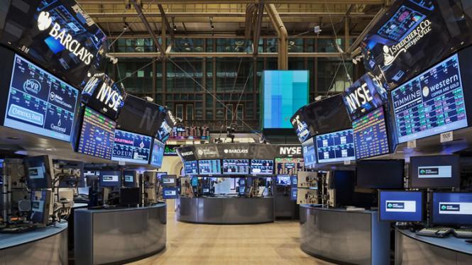 Фондовые площадки Азии в растерянности, а в США отмечен устойчивый рост