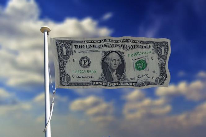 Хотя доллар пытается поднять упавшее знамя, говорить об окончании нисходящего тренда по USD еще рано
