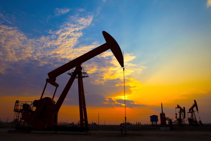 Недолго радовались: стоимость нефти снова опускается
