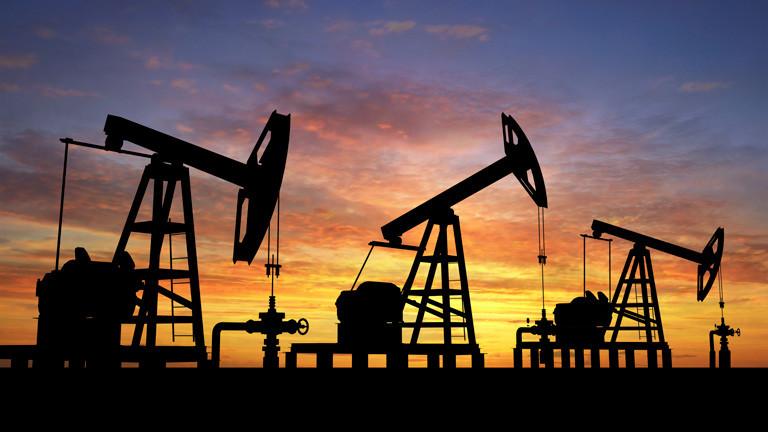 Рынок нефти не справляется с проблемами: стоимость сырья сокращается