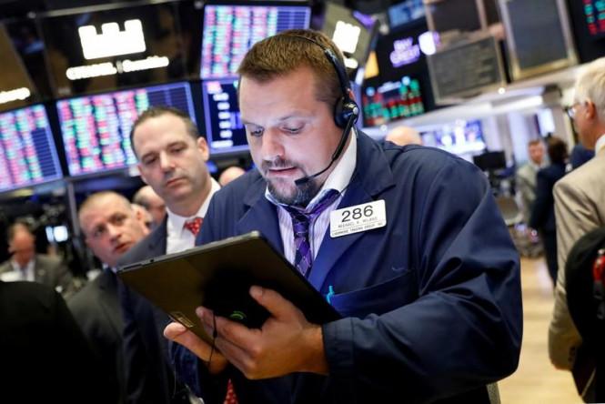 Без единой динамики: в пятницу фондовые биржи США закрылись ростом S&P 500 и падением Dow Jones