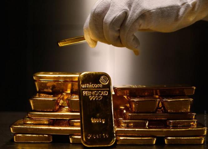 По прямой с пандемией: золото увеличивается в цене на фоне роста заболеваемости COVID-19