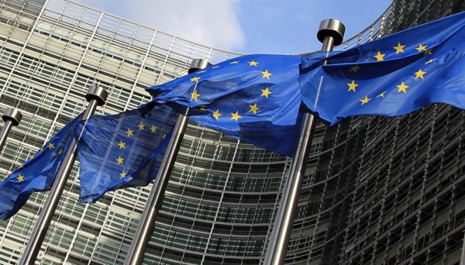 analytics5fb668a49414d - Доллар шагает в ногу с пандемией, а евро и фунт ждут вестей с саммита ЕС