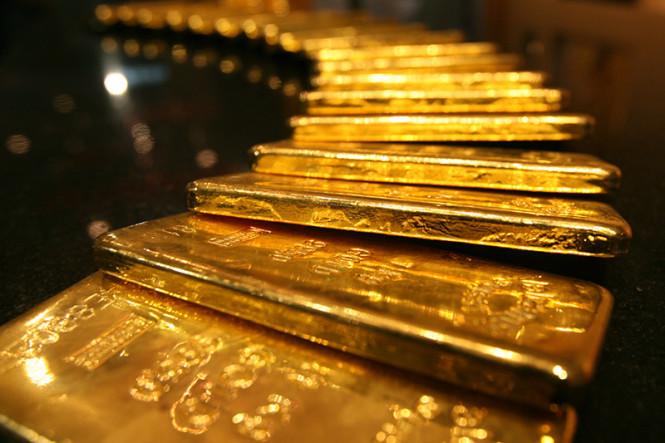 Золото продолжает стремиться к своему пику