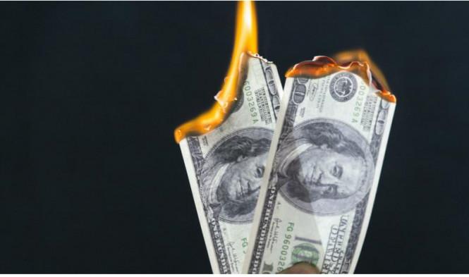 Доллар «сгорает» на глазах, и прогнозы не в его пользу