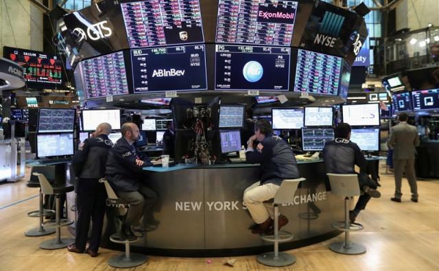 Saham AS melambung tinggi sementara Asia melangkah ke beberapa hari sebelum perayaan Tahun Baru