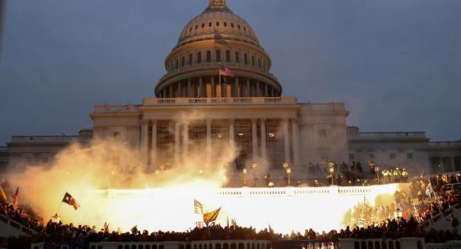 Свершилось: демократы взяли контроль над Сенатом, а Конгресс утвердил Джо Байдена президентом США