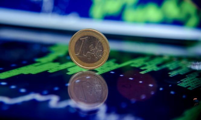 Selling or buying euros?