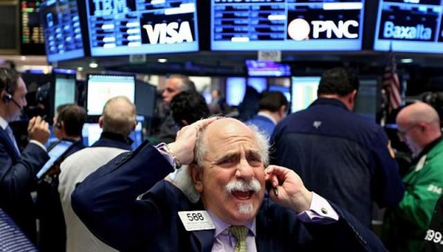 在周三美国股指暴跌至创纪录低点