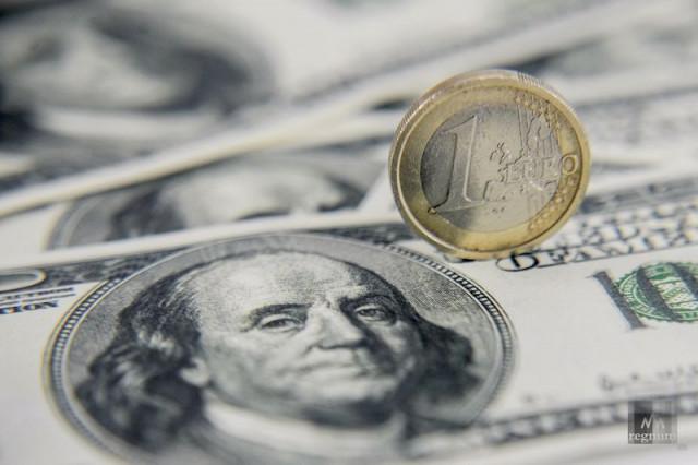EUR/USD: кратковременная слабость евро или серьезная заявка доллара на рост?