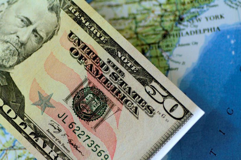 Der Dollar weist angesichts der Jahreshochs von US-Staatsanleihen ein sicheres Wachstum auf