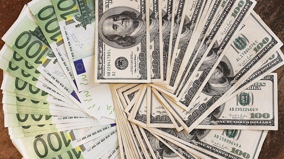 US dollar has slowed down its decline