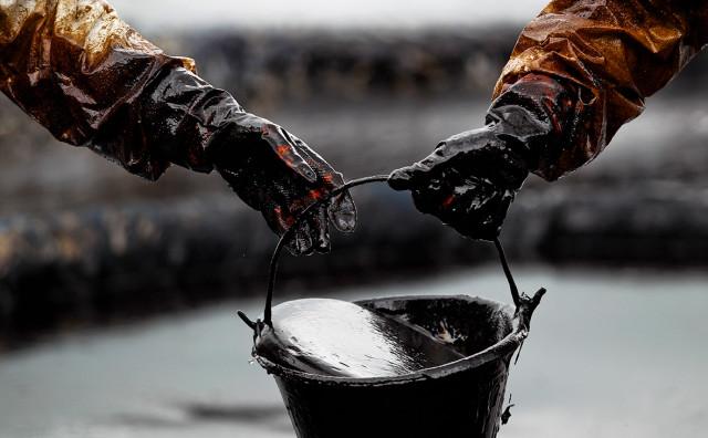 Отрицательная динамика при отличных перспективах стоимость нефти пока под давлением