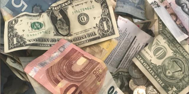Pelan perdagangan untuk pasangan mata wang EUR/USD dan GBP/USD pada 2 Mac 2021