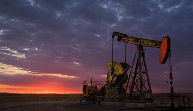 Tahap penanda aras minyak melonjak di tengah-tengah bencana dan suram pasaran minyak global