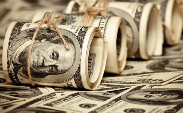 Pasangan mata wang EUR/USD dan USD/JPY: Dolar akan meningkat di tengah-tengah pertumbuhan hasil Perbendaharaan AS yang berterusan. Bank of Japan memastikan dasar monetari yang tegas.