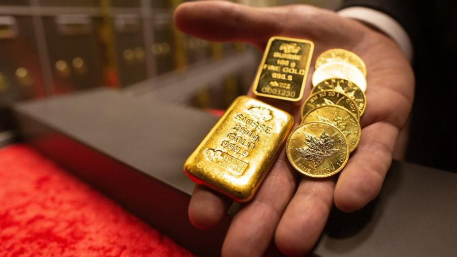 Gold: Уверенный доллар сильно мешает золоту