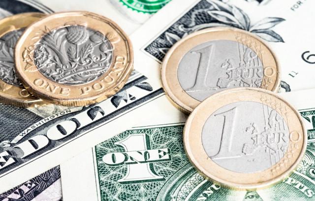 Dolar kehilangan momentum pertumbuhannya. Bagaimana tidak ketinggalan permulaan kenaikan euro