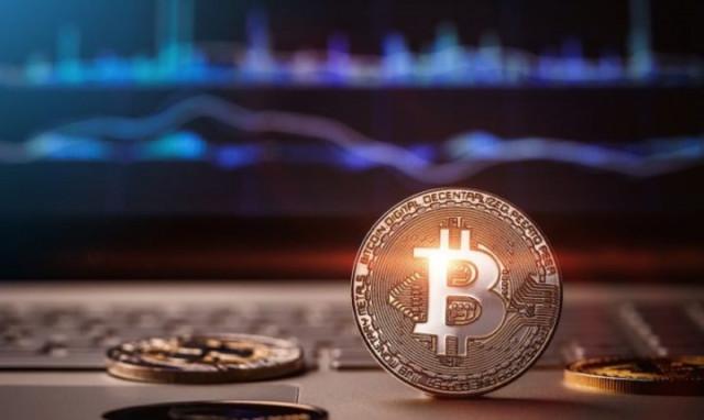 Експертите вярват, че до края на 2021 г. Биткойн ще достигне 100 000 долара: BTC идеална инвестиция ли е сега?