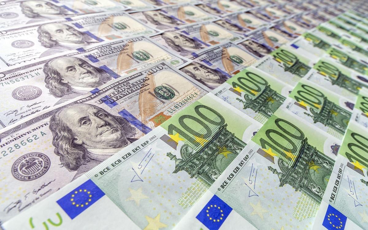 Трудности роста: Голубиная позиция ФРС давит на доллар, проблемы с вакцинацией – на евро. В фокусе заявления ЕЦБ и Федрезерва