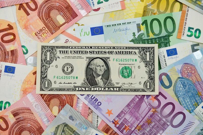 EUR/USD. Позиционная борьба: евро держит бой, но не способен на перелом тренда