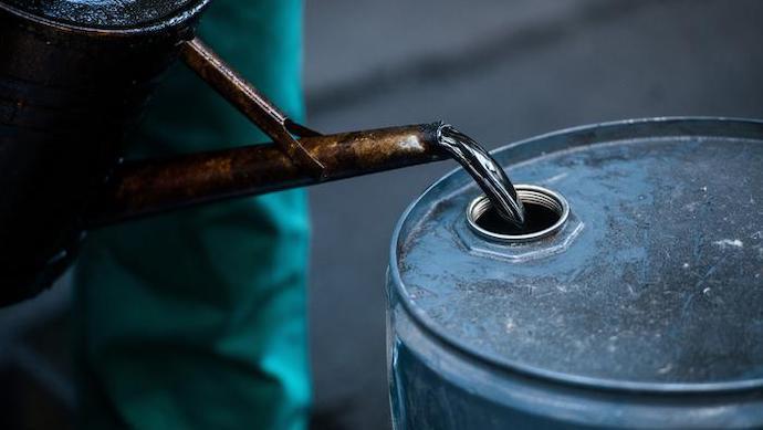 Нефть уверенно растет в цене, находя новые поводы для эйфории