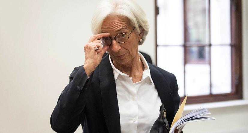 Политики еврозоны ожидают сворачивания мер поддержки в 2022 году, но статистика говорит об обратном. Британский фунт испытывает