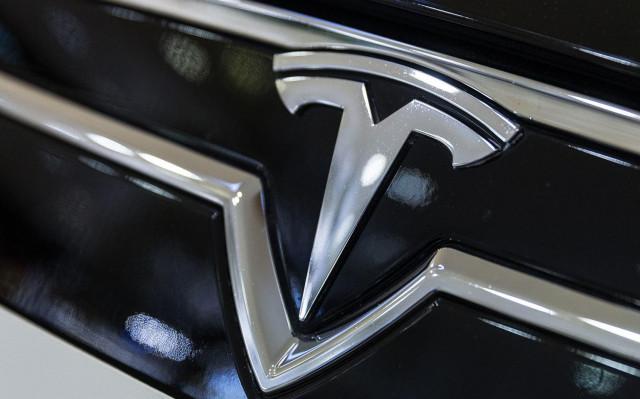 Парадоксальная Tesla продолжает дорожать