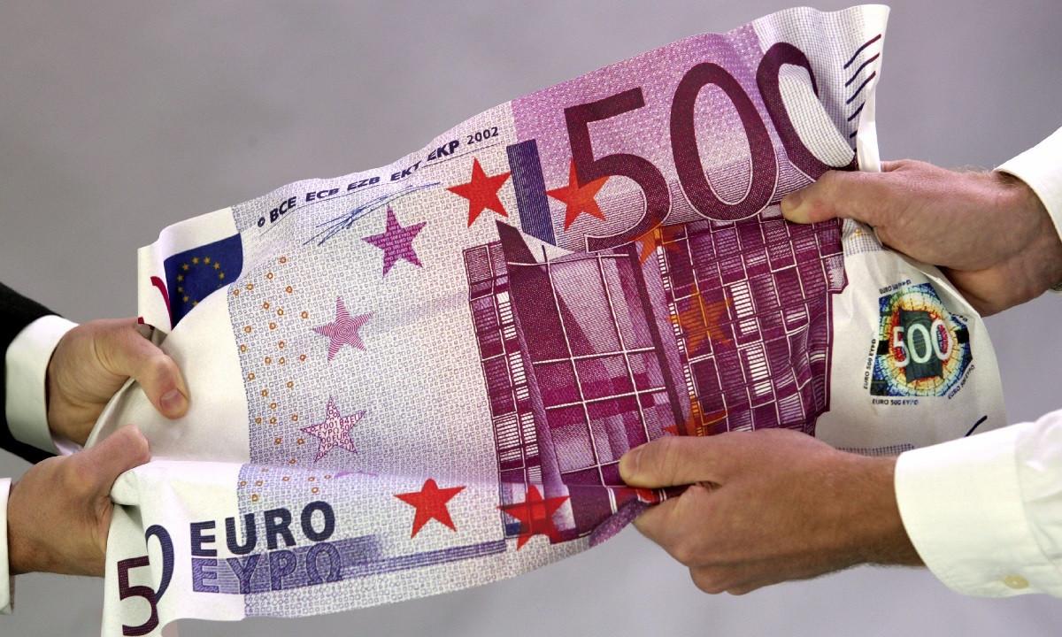 Euro traders seize last chance to go bullish