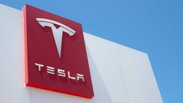 Tại sao các chuyên gia khuyến cáo không mua cổ phiếu Tesla. Elon Musk mất 9 tỷ USD trong một tháng