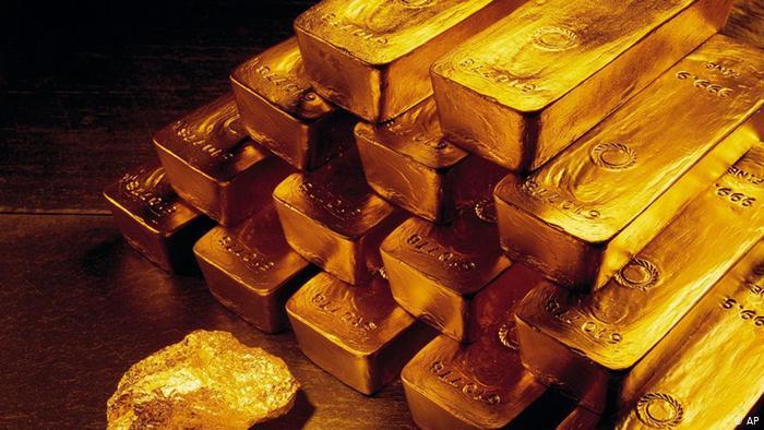 Смена курса: золото теряет в цене после эффектного роста в пятницу