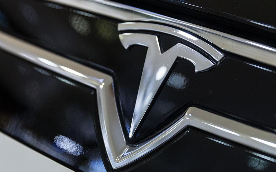 Продажи электрокаров Tesla рухнули в Китае