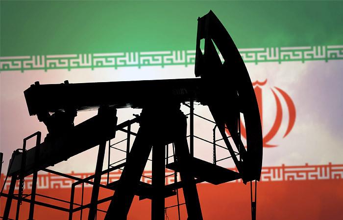 Рынок нефти продолжает снижаться после громкого обвала накануне