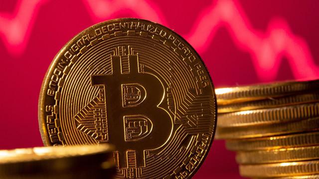 Bitcoin sprengte den Kryptowährungsmarkt und wuchs in wenigen Stunden um $5 Tausend