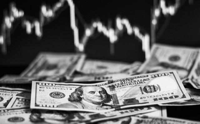 У доллара началась черная полоса. Сколько продлится падение?