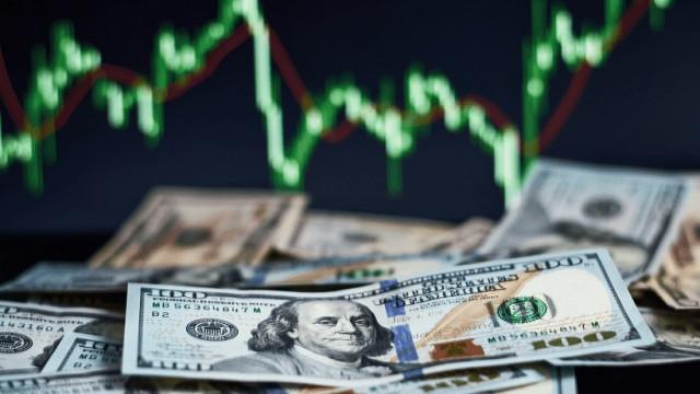 EUR/USD. «Взлёт, посадка, взлёт»: слабый отчёт ADP напугал долларовых быков